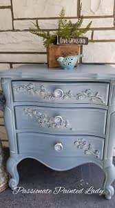 whiewash furniture using Dixie Belle Products