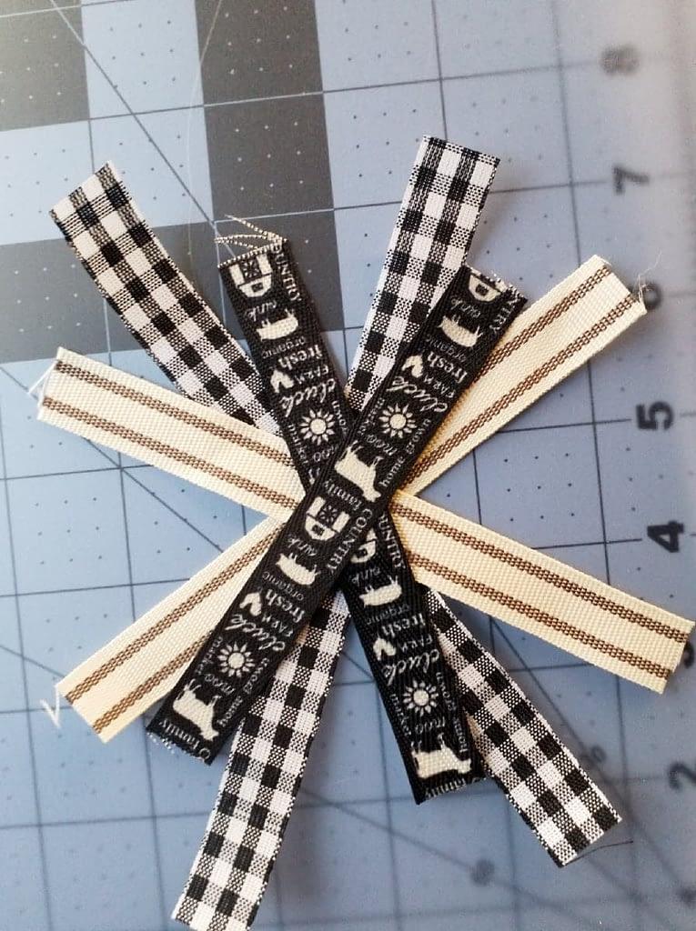 so fun to make using Dollar Tree ribbon